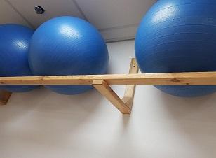 מתקן מעמד לקיר לכדורי פיזיו